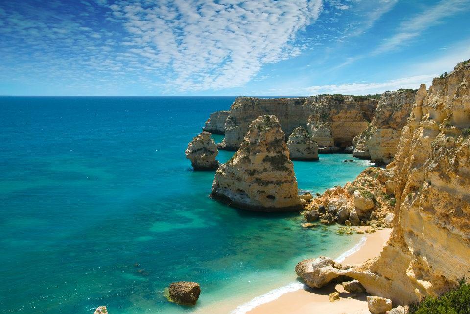 plaja din regiunea Algarve