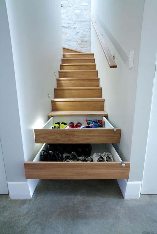depozitare pantofi sub scara