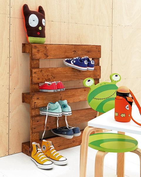 rafturi depozitare pantofi camera copii