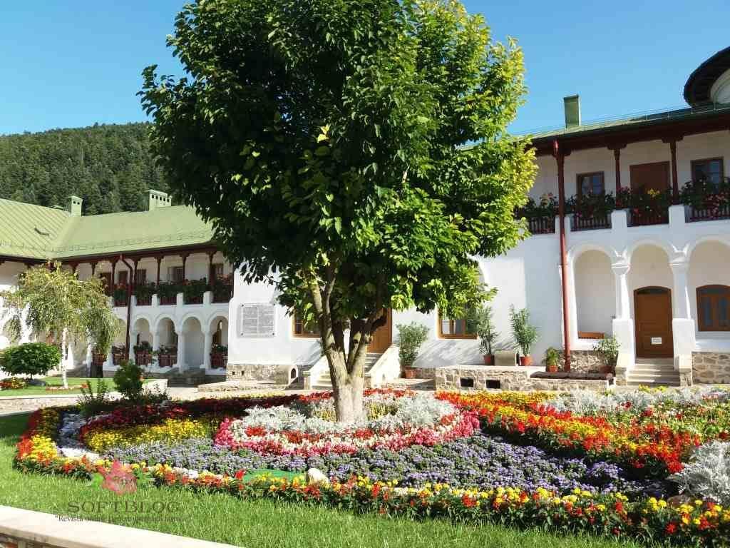 mănăstirea Agapia curte interioară