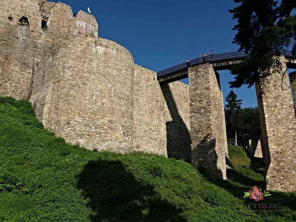Cetatea Neamțului ziduri