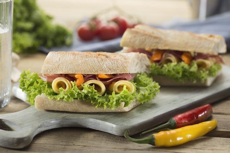 risipa alimentară sandwich