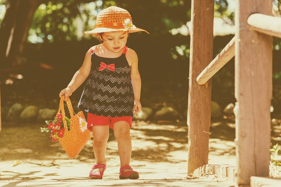 copilul mic în aer liber