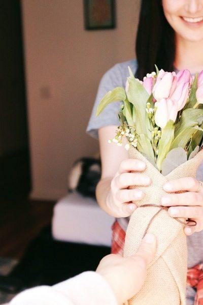 cadouri pentru ziua femeii 8 martie