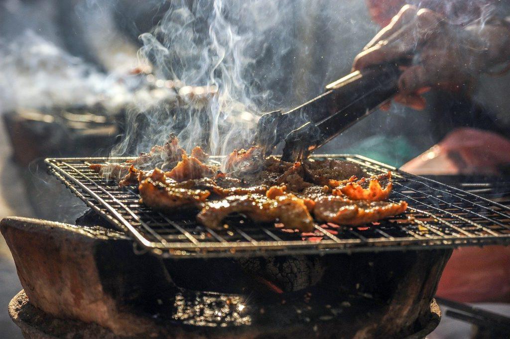 carnea la grătar