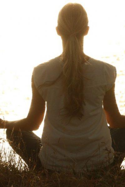 începi să practici meditația